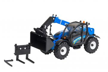 Britains New Holland LM 7.42 Telehandler image
