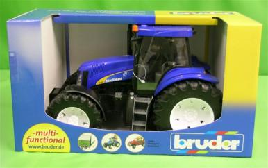 Bruder New Holland T8040 Tractor 1:16  image