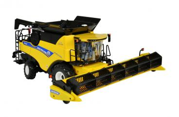 Britains New Holland Combine Cr8.9 image